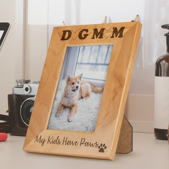 "4"" x 6"" Dog Mom Red Alder Frame"